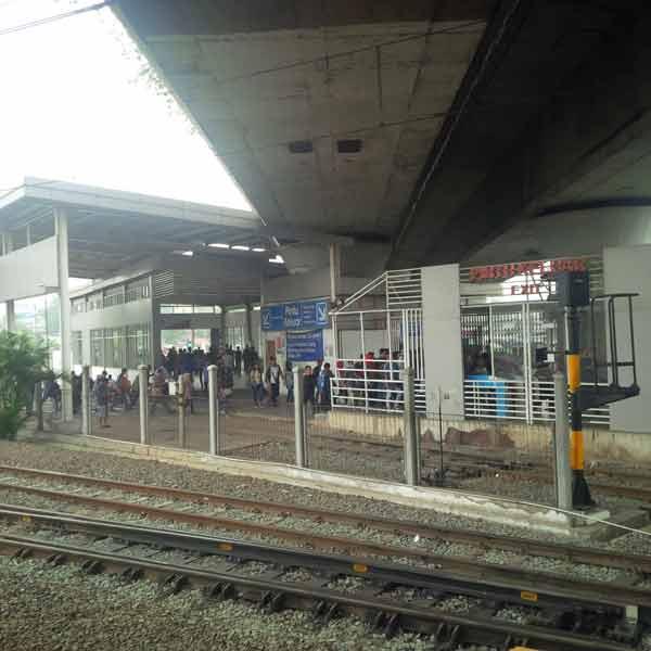Tanah-Abang-Station-IMG_20160115_085403