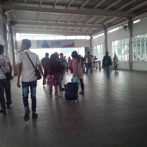 Tanah-Abang-Station-IMG_20160115_085502