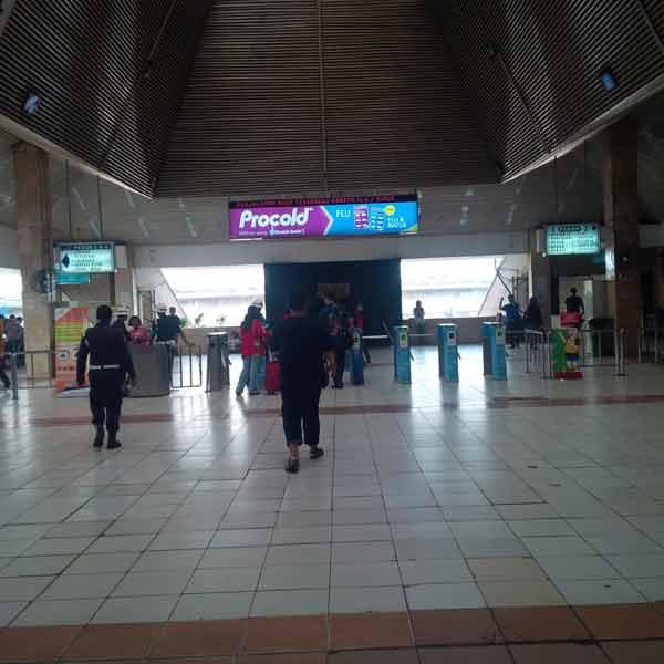 Tanah-Abang-Station-IMG_20160115_090250