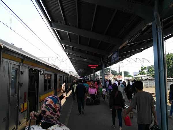 Bekasi_Station_IMG_20160704_144505