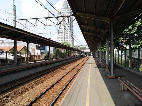 Cawang_Station_IMG_20160708_102900