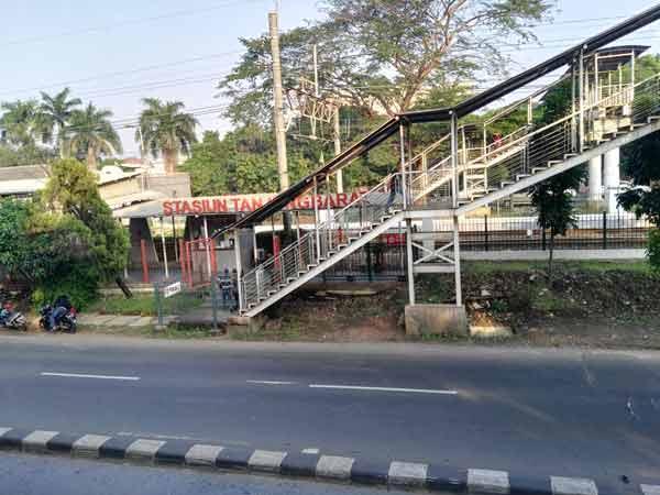 Tanjung_Barat_Station_IMG_20160707_071436