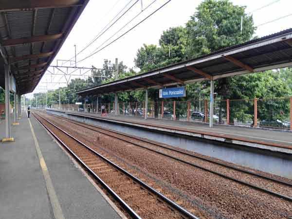 Universitas_Pancasila_Station_IMG_20160707_132150