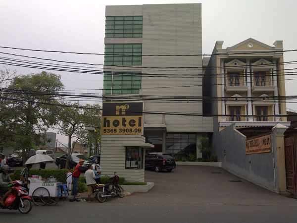Hotel N One Jakarta Just 5 Minutes Walk To Tanah Abang Shopping District Jakarta By Train