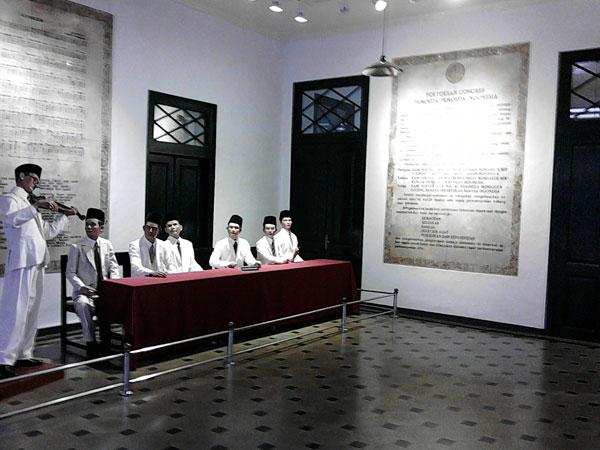 Gambar Monumen Sumpah Pemuda Museum Sumpah Pemuda Jakarta By Train