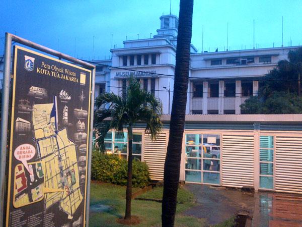 taman-stasiun-kota-museum-mandiri