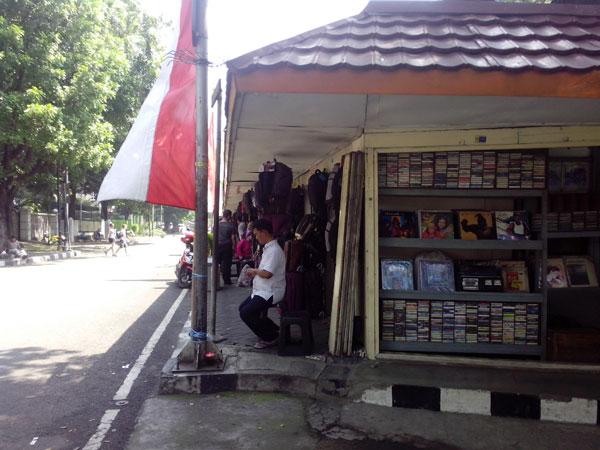 pasar-barang-antik