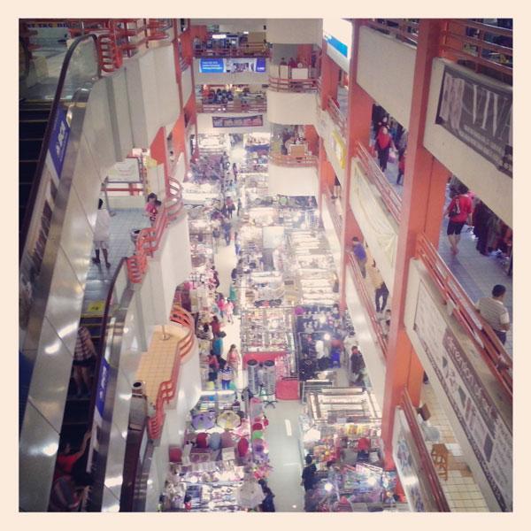 inside-pasar-pagi-mangga-dua