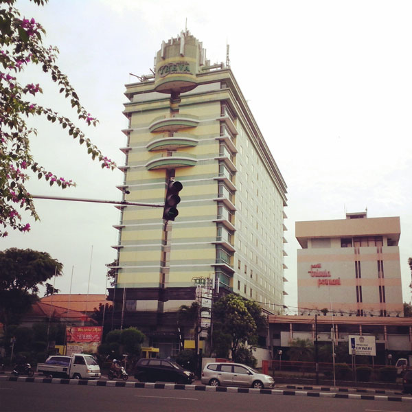 Hotel Treval International Stay In Love At Jakarta By Train