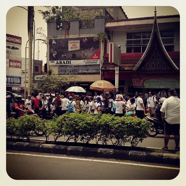 beli cilok AHP Tangerang Tour