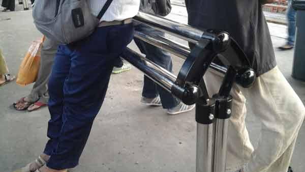 manggarai-station-platform-bench-20151021_173133