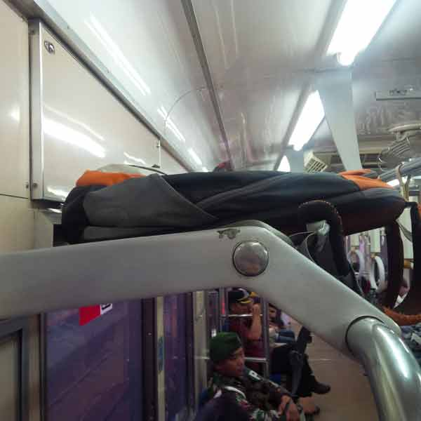 luggage-rack-CommuterLine_IMG_20160205_101204